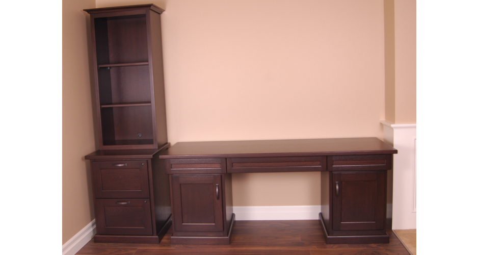 Office Furniture with Desk & Bookshelf