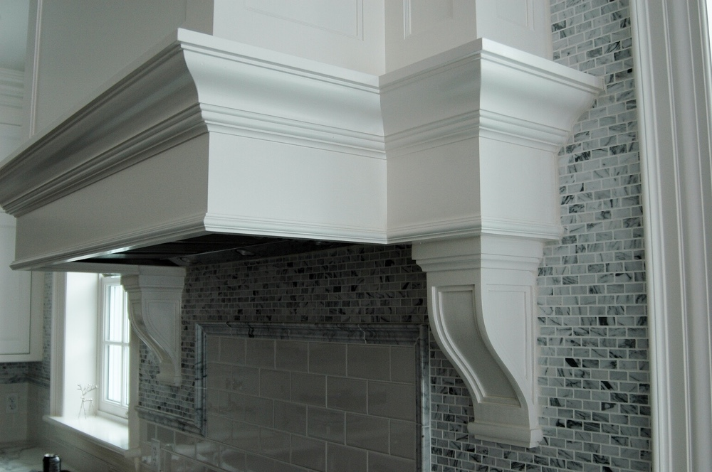 Kitchen Moulding over Stove Hood - Detailed