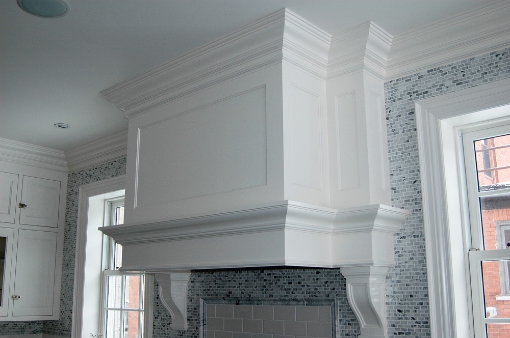 Kitchen Moulding over Stove Hood